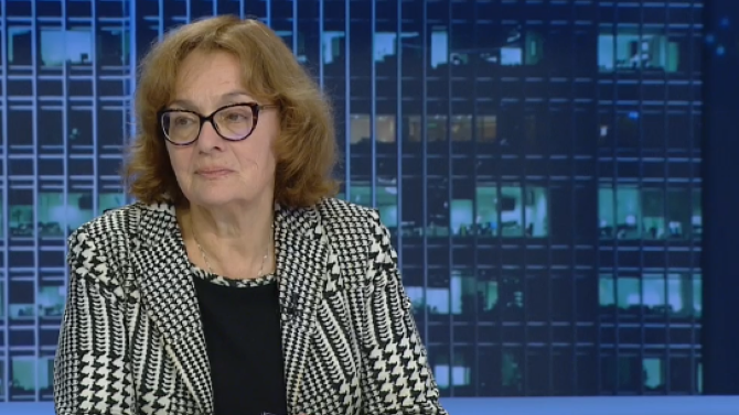 Румяна Коларова: Радев просто трябваше да си тръгне от Естония, а не да прави драма