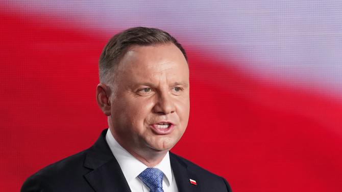 Полският президент е заразен с коронавирус