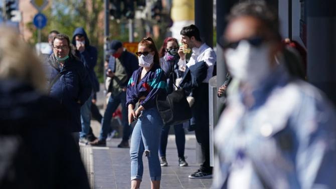Словашките власти ограничиха временно свободното движение на гражданите заради коронавируса