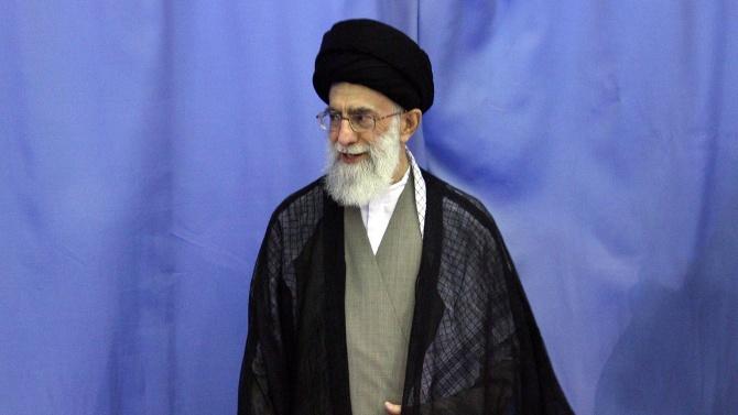 Аятолах Хаменей препоръча на иранските власти приоритетно да пазят здравето на хората
