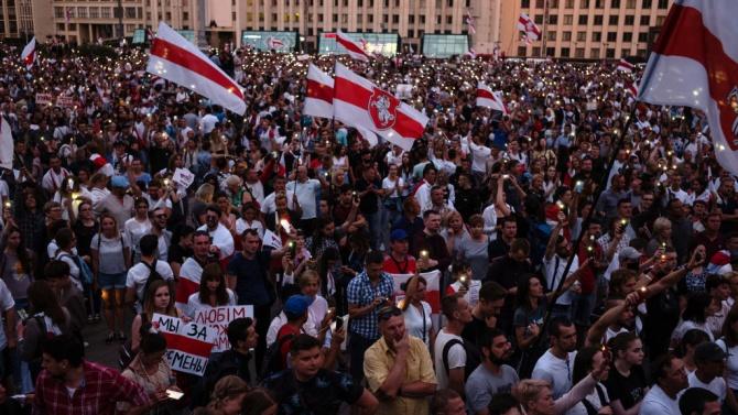 Над 100 000 души протестираха тази неделя срещу авторитарния беларуски