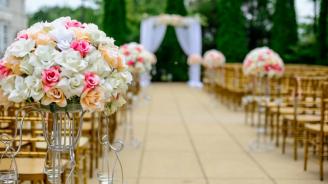 Над сто души се заразили с коронавирус на сватба в Мексико
