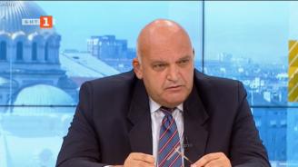 Д-р Брънзалов: Младежите са по дискотеките, а навън да ходим маскирани