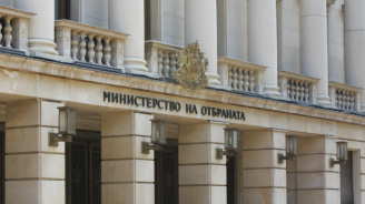 Президентът е уведомен, че ген. Петров е с COVID на 18.10, съобщиха от МО