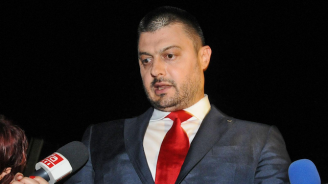 Николай Бареков: Лекувам се 12-ти ден от COVID-19, пия два антибиотика, за да прескоча трапа