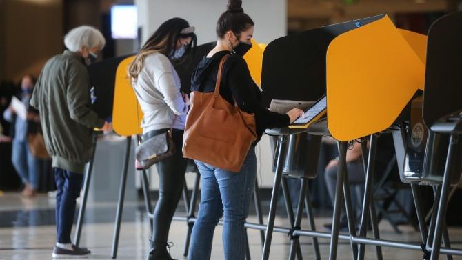 59 милиона американци са гласували предварително