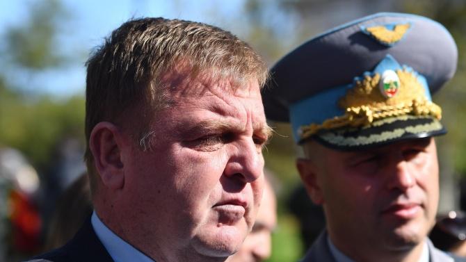 Каракачанов: Борисов е добре, има готовност за разкриване на военнополеви болници