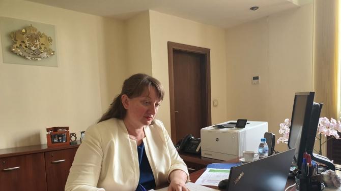 Депутатите изслушват Деница Сачева