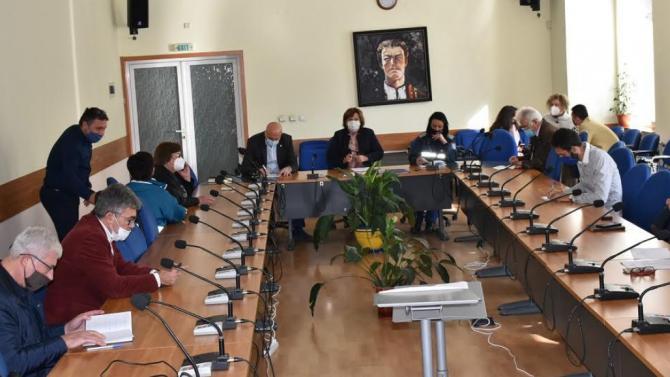 Щабът за борба с COVID -19 в Ловеч предлага нови мерки