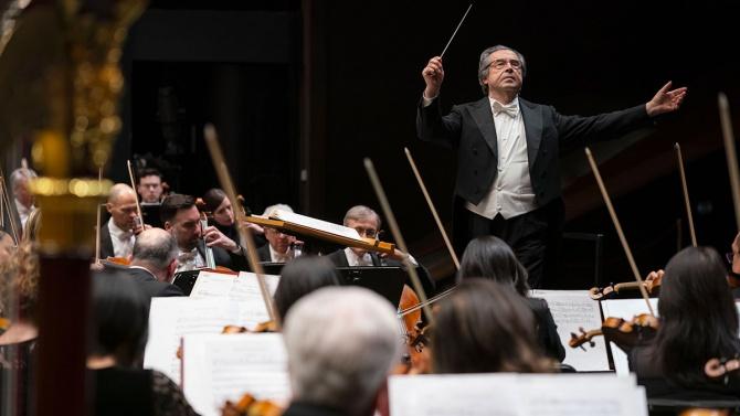 Диригентът Рикардо Мути протестира срещу затварянето на културния сектор заради COVID-19