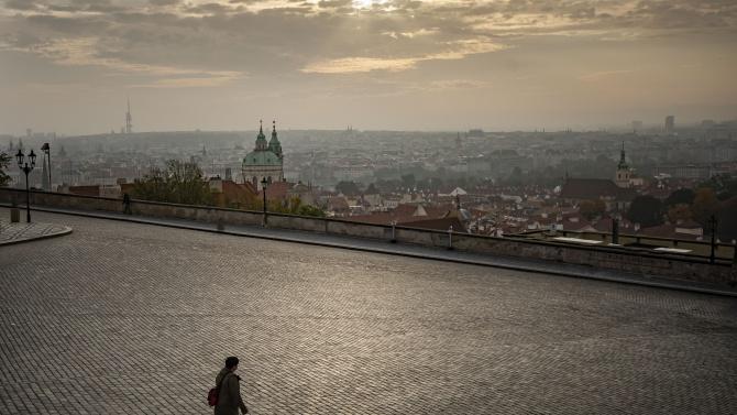 Чешките власти забраниха на гражданите да излизат навън от 21:00 до 05:00 ч.
