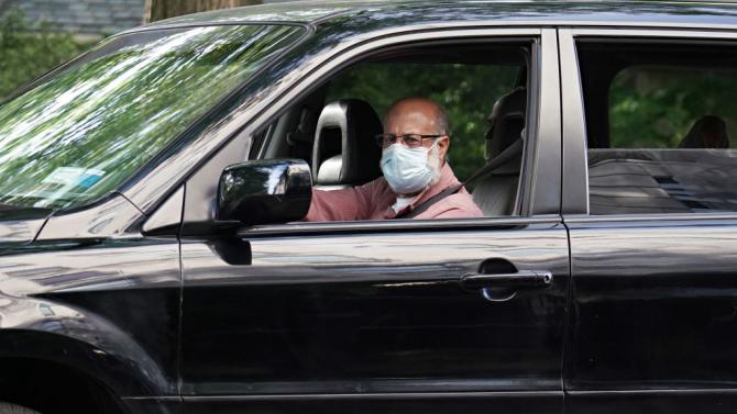В Гърция затягат още повече мерките - маските стават задължителни и при пътуване с кола
