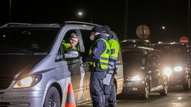 Чехия затвори границите си за туристи