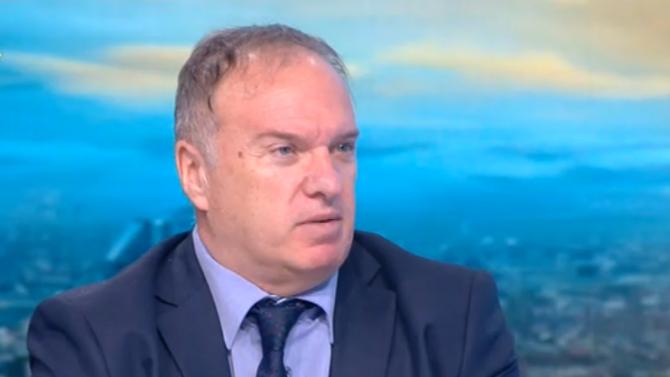 Проф. Владимир Чуков: Възелът между Франция и Турция се затяга