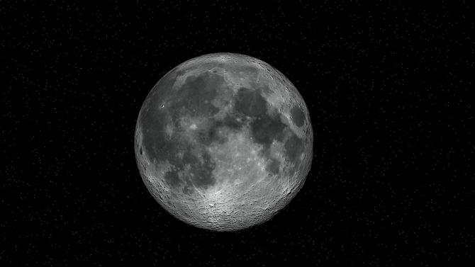 Астрофизик: Рано или късно ще усвоим Луната