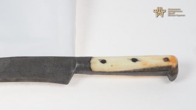Вижте ножа на Филип Тотю!
