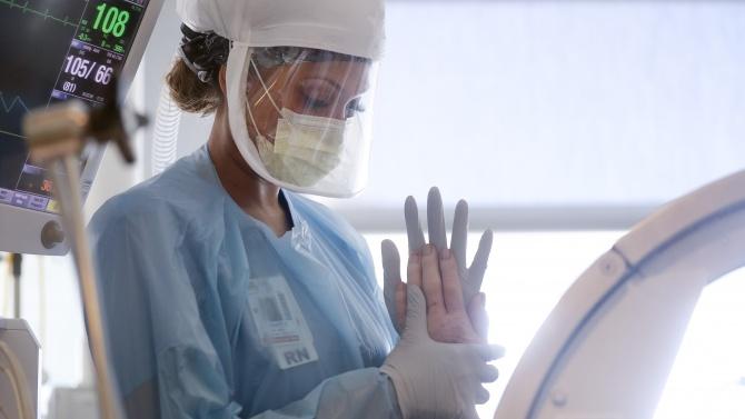 Професор: В здравната ни система не достигат около 30000 медицински сестри