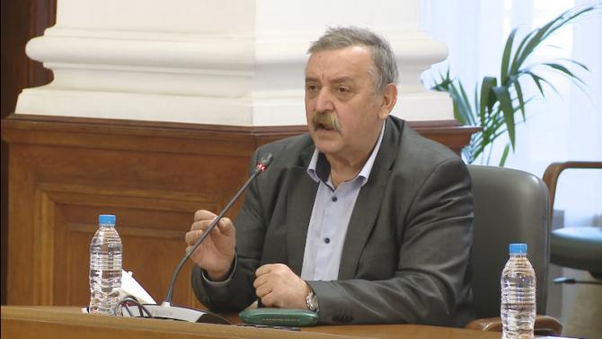 Проф. Кантарджиев: Никой не се е задушил от маска!