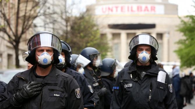 Хиляди полицаи ще следят за спазването на мерките в Германия