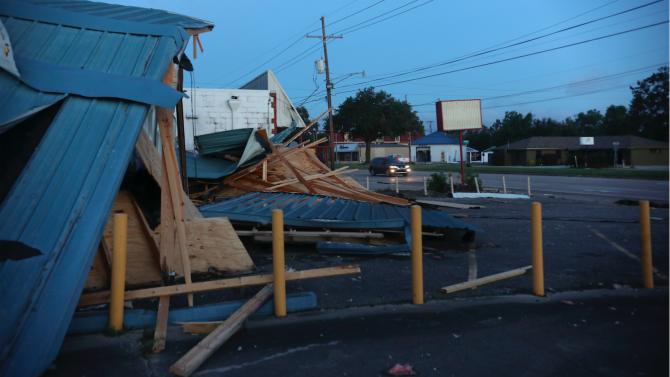 Ураганът Зета взе шест жертви в САЩ