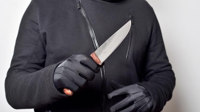 Българин опасно близо до мястото в Ница, където терорист наръга няколко души