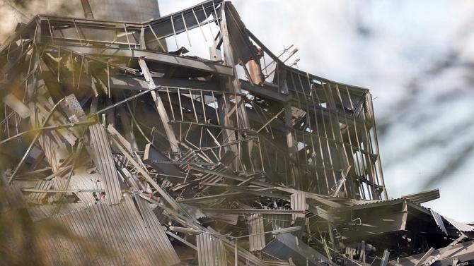 Трусът в Егейско море предизвика разрушения и цунами в Измир
