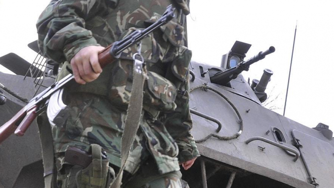 Военнослужещ  е намерен прострелян по време на служба