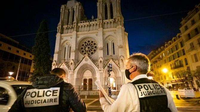Французите не вярват, че властите могат да ги защитят от терористи