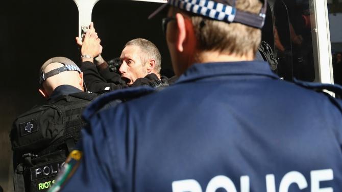 Трети човек е под стража във връзка с нападението в Ница