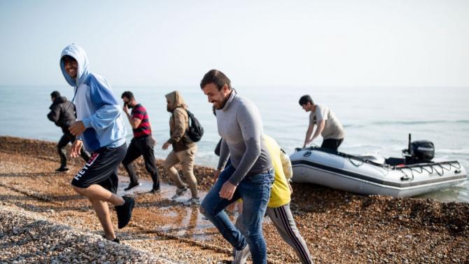 Президентите на Тунис и Франция обсъдиха нелегалната миграция