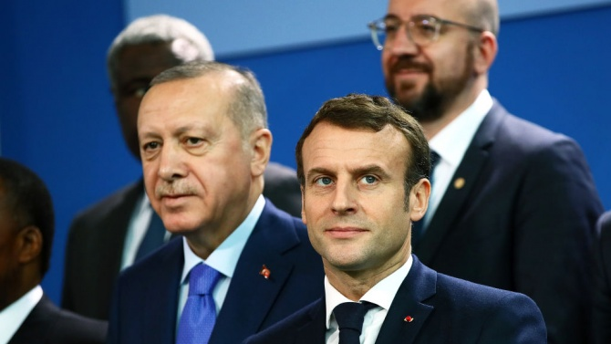 Макрон продължава с атаките си по Ердоган