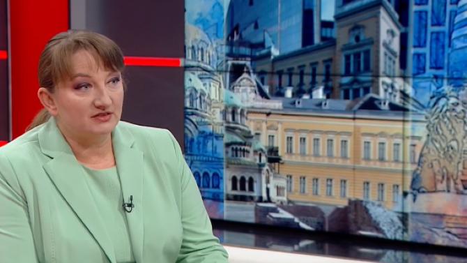 Деница Сачева обясни защо правителството няма как да подаде оставка