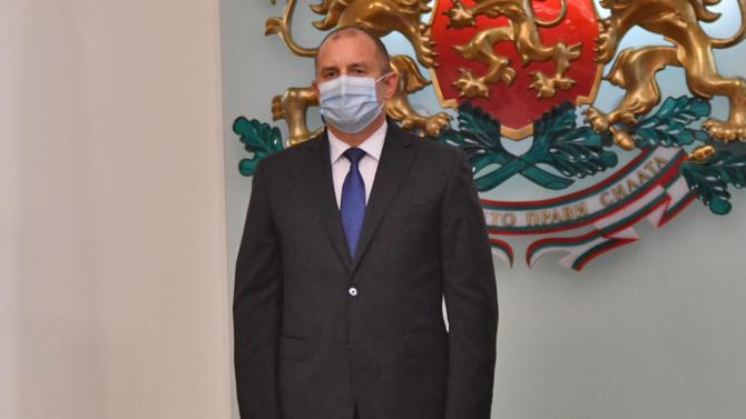 Румен Радев: Тази година българското общество излезе от унинието
