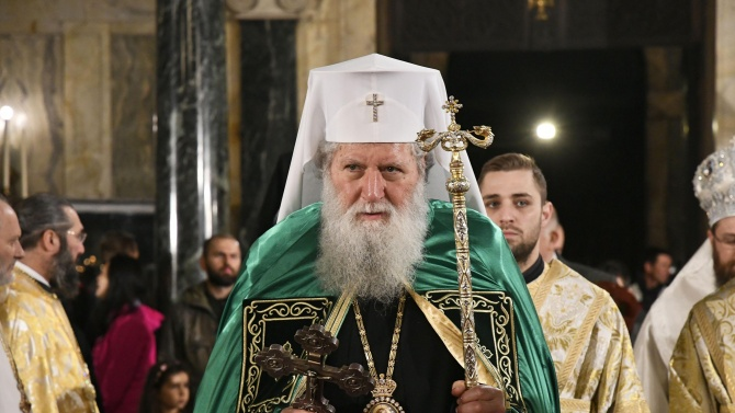 Патриарх Неофит: Днес молитвите ни са за всички носители на славния и несломим български дух
