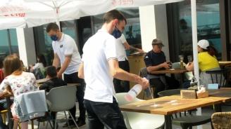 Ресторантьорите поискаха държавата да поеме 80% от заплатите на служителите им