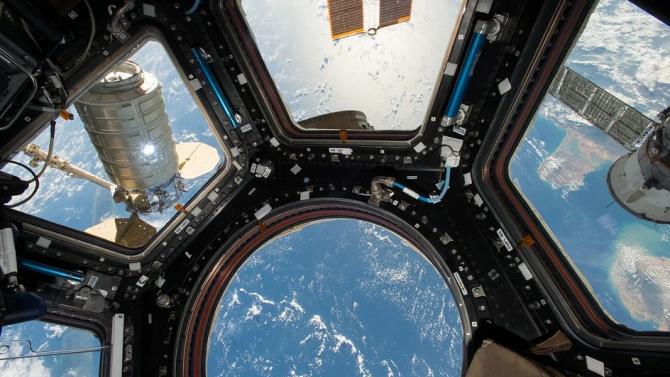 МКС отбелязва 20 години с екипаж в орбита