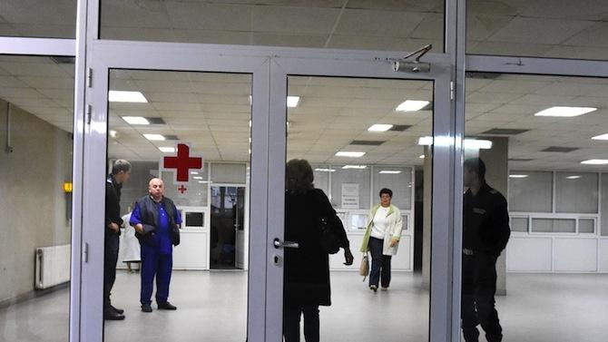 Линейки с болни от COVID-19 чакаха 4 часа пред МБАЛ Бургас