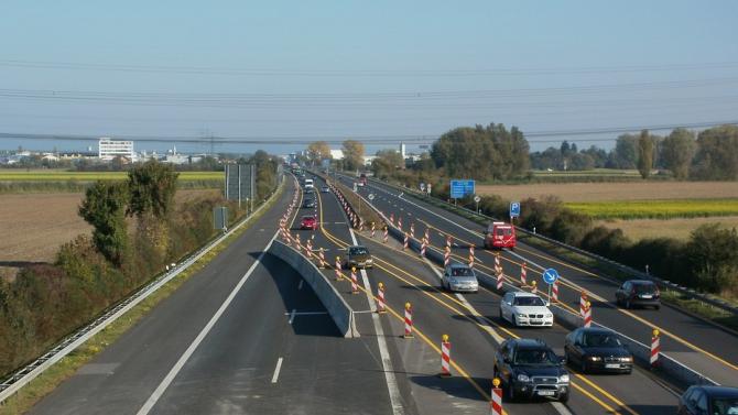 Пътна полиция апелира към водачите по възможност да избягват пътуване през Искърското дефиле
