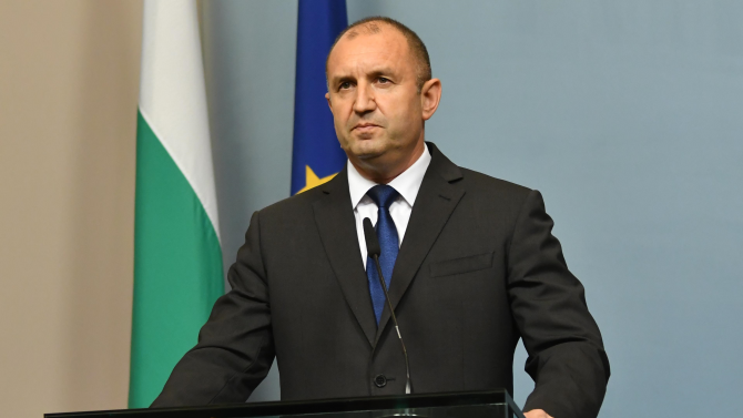 Румен Радев изрази съболезнования на австрийския президент за нападението във Виена