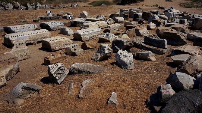 Археолози откриха над 50 находки от кремък, керамика, кост и рог в селищна могила в Русенско