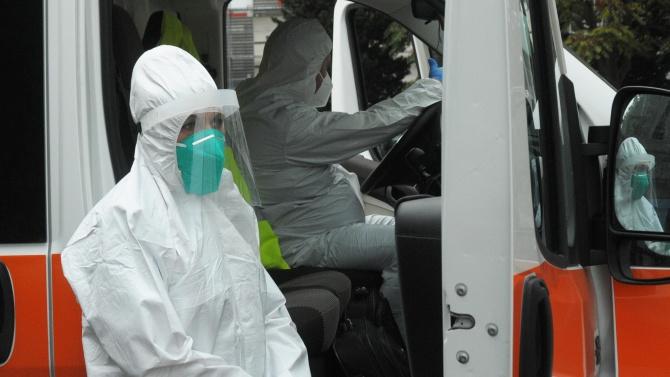 Линейки, полицията и Спешна помощ вече обслужват пациенти с COVID