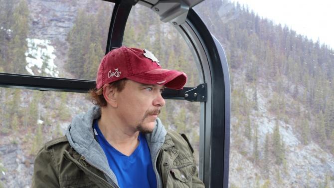 Журналистът Иво Иванов: Америка бе светлина в мрака, сега е разединена