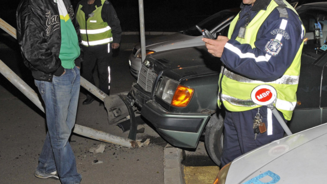 Пиян шофьор предизвика меле край Благоевград