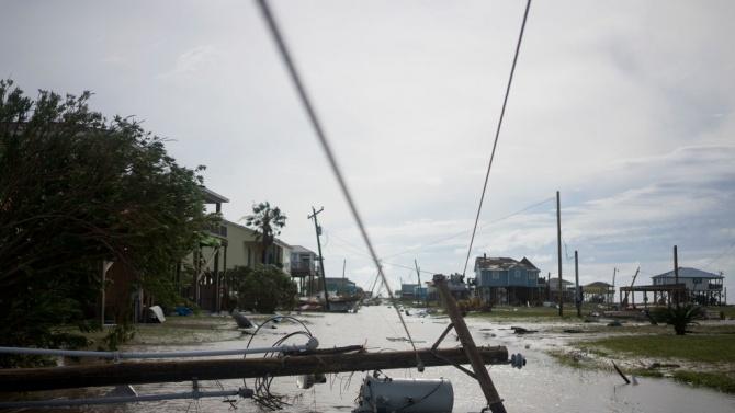 Общо 150 души са загинали или изчезнали в Гватемала при преминаването на бурята Ета