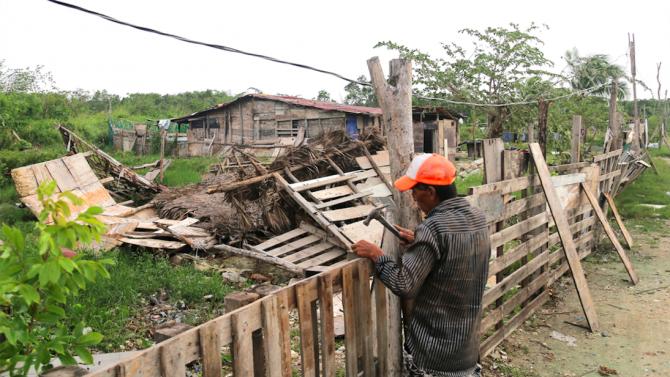 Десетки загинали в Мексико след преминаването на урагана Ета