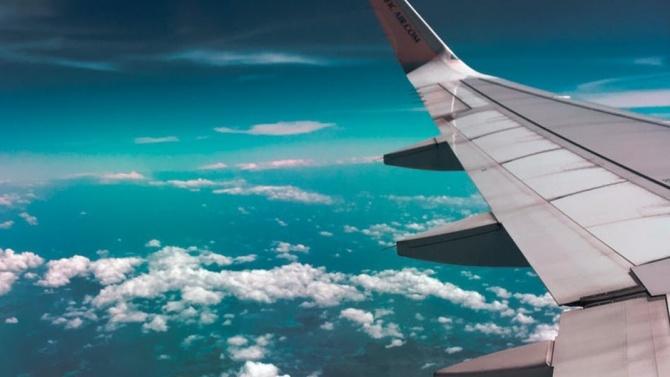 Първи самолет с израелски туристи кацна в ОАЕ