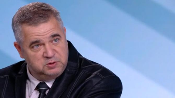 Доц. Ташев: Трябва да променим подхода си към Скопие