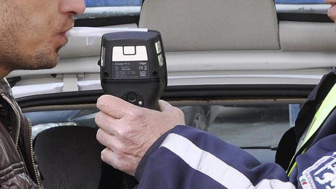 Шуменец заловен пиян зад волана след сигнал от друг шофьор