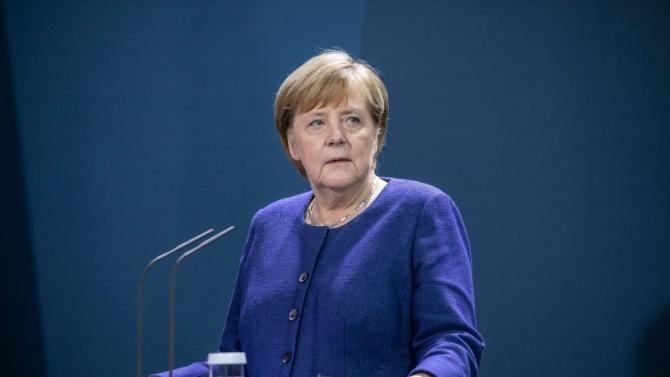 Ангела Меркел към Борисов и Заев: Трябва да постигнете съгласие