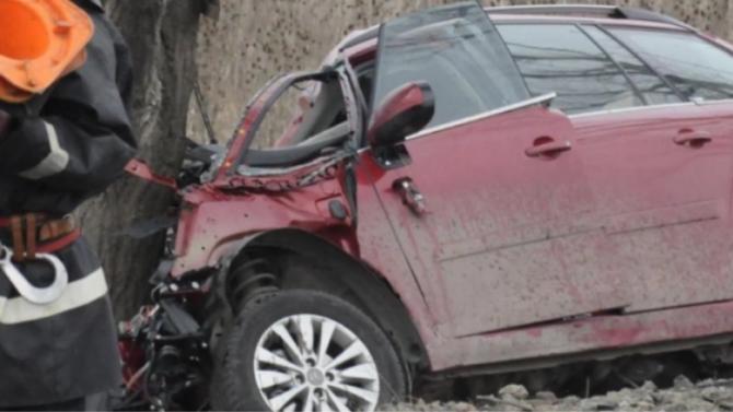 Тежка катастрофа край Сливен с един загинал и трима ранени